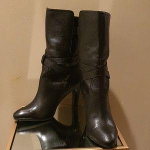 Circa Joan&David Black Leather Boots.